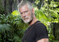 De Terra Nova para In Plain Sight: Stephen Lang será o pai de Mary