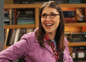 The Big Bang Theory: Amy é a mais popular do campus no trailer do episódio 10x03