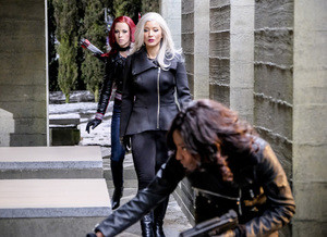 Arrow: China White, Cupido e Liza Warner nas fotos do episódio 5x14