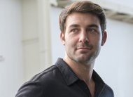 Goliath escala o ator James Wolk em papel recorrente na 2ª temporada