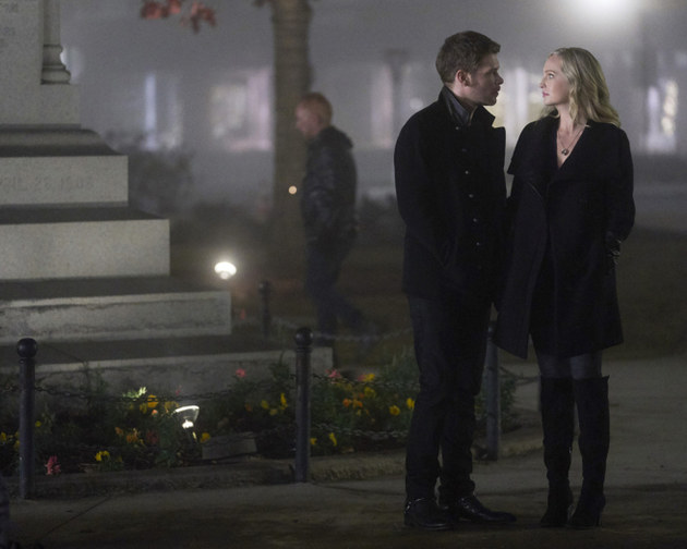 The Originals: veja reencontro de Klaus, Caroline e Alaric nas fotos do episódio 5x12