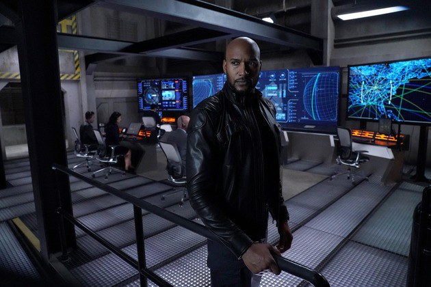 Agents os SHIELD: Mack como diretor da SHIELD em nova foto da 6ª temporada