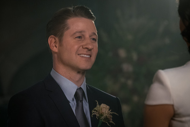 Gotham: Ivy está de volta nas fotos e trailer do episódio 5x09