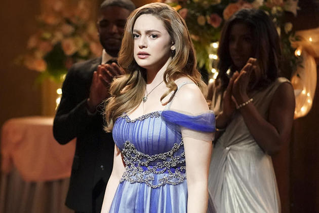 Legacies: Miss Mystic Falls e visita do passado no trailer e fotos episódio 14