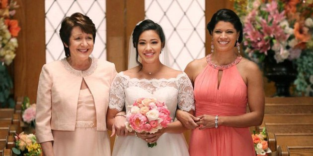 Jane the Virgin revela quem é o narrador e tem final feliz no episódio final RECAP